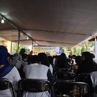Photo taken at Gedung Dekanat Fakultas Teknik by Debrina A. on 10/27/2013