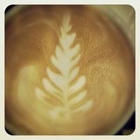 Photo taken at Gloria Jean's Coffees by Farhan K. on 10/14/2012