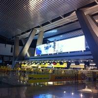 Photo taken at Ninoy Aquino International Airport (MNL) Terminal 3 by Charmaine D. on 9/25/2013