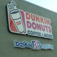 Photo taken at Dunkin Donuts by Eliana Marisol V. on 2/24/2013