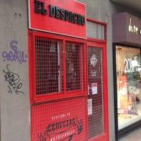 Photo taken at El Despacho, cervezas artesanales by Mariano P. on 10/15/2014