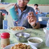 Photo taken at Depot Mie Pangsit Tenda Biru by Sheellfia P. on 8/24/2016