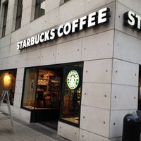 Photo taken at Starbucks by Hüsniye D. on 3/4/2014