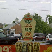 Photo taken at 7-Eleven by Mimi s. on 7/11/2013
