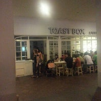 Photo taken at Toast Box 土司工坊 by Jimmy Y. on 3/23/2013