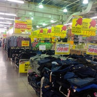 Photo taken at Giant Hypermarket by Donny P. on 8/4/2014