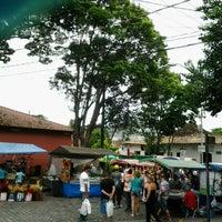 Photo taken at Feira de Artesanato de Embu das Artes by Daiane P. on 12/9/2012