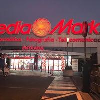 Photo taken at Media Markt by Francisco T. on 9/29/2016
