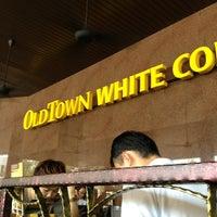 Photo taken at OldTown White Coffee by FloRa ∞ Kay on 8/4/2013