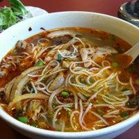 Photo taken at Dua Vietnamese Noodle Soup by Yaw on 3/6/2013