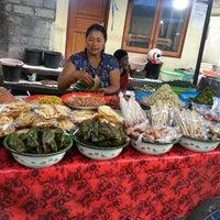 Photo taken at Pasar Senggol Gianyar by erlitha d. on 7/9/2016