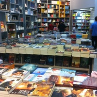 Photo taken at Livraria Imperatriz by Kassandra L. on 5/16/2013