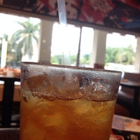 Photo taken at TGI Fridays - Mall Multiplaza by José Miguel P. on 11/15/2013