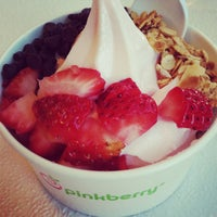 Photo taken at Pinkberry by Minerva G. on 2/23/2013
