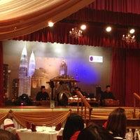 Photo taken at Restoran Seri Melayu by Danne on 3/14/2013