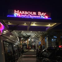 Photo taken at Harbour Bay Seafood Restaurant by Doris T. on 9/3/2016