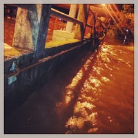 Photo taken at ตลาดสดเทศบาลเมืองปราจีนบุรี by Chalermchatri Y. on 10/9/2013