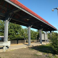 Photo taken at Metro North / NJT - Suffern Station (MBPJ) by Andres A. on 8/7/2016