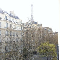 Photo taken at Hotel Kensington by Kopeyschik on 3/24/2014
