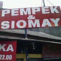 """Photo taken at Pempek Asli Palembang """"Ulu Bundar"""" by Tian T. on 12/23/2012"""