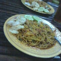 Photo taken at Mie Aceh by Verra S. on 3/4/2013