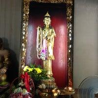 Photo taken at วัดถาวรวราราม (วัดญวน) Wat Thavornwararam by Kodchapoom on 3/30/2013