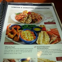 Photo taken at Red Lobster by Lowe on 12/23/2014