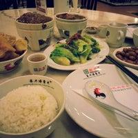 Photo taken at Pao Xiang Bak Kut Teh (宝香绑线肉骨茶) by Joey on 12/14/2014