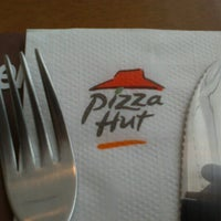 Photo taken at Pizza Hut by L. S. on 9/26/2012