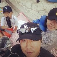 Photo taken at 한강뚝섬수영장 by 유택 곽. on 8/8/2014