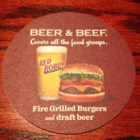 Photo taken at Red Robin Gourmet Burgers by Divad K. on 3/4/2013