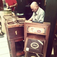 Photo taken at Havana Smoke Shop by Elisabet S. on 9/14/2012