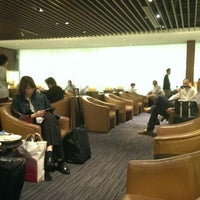 Photo taken at SIA SilverKris Lounge (Terminal 2) by Kevin B. on 5/22/2013