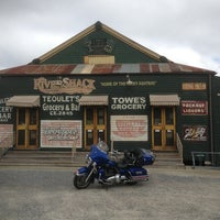 Photo taken at Rivershack Tavern by Hugh on 4/5/2013