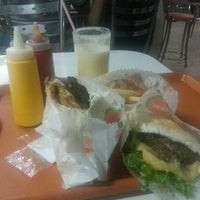 Photo taken at It Speed Lanches by Jorge Vinícius B. on 11/5/2012