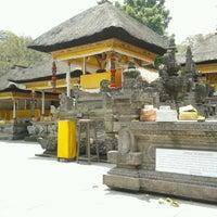 Photo taken at Pura Tirta Empul (Tirta Empul Temple) by Agassi Y. on 9/24/2012