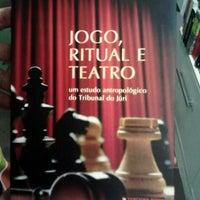 Photo taken at Ponto do Livro by Leonardo B. on 3/25/2013