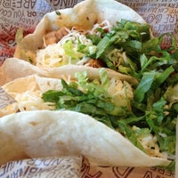Photo taken at Chipotle Mexican Grill by Gricel on 11/25/2012