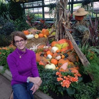 Photo taken at Niagara Parks Floral Showhouse by Charlotte S. on 10/8/2014