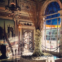 Photo taken at Vizcaya Museum and Gardens by Elizabeth on 11/6/2012