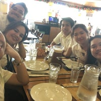 Photo taken at Shakey's by Jessica D. on 11/29/2016