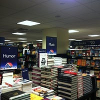 Photo taken at Barnes & Noble by Guzel G. on 11/12/2012
