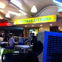 Photo taken at Restoran Ali Mama by Zaiful I. on 3/9/2013