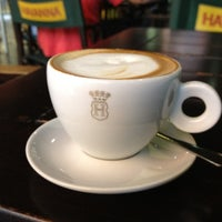 Photo taken at Havanna Café by Hector C. on 9/22/2012