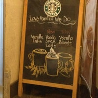 Photo taken at Starbucks by Federico S. on 2/10/2013