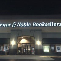 Photo taken at Barnes & Noble by Michael W. on 9/19/2012