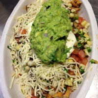 Photo taken at Chipotle Mexican Grill by Delfin on 12/1/2012