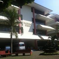 Photo taken at Fakultas Hukum Universitas Pancasila by Dedyn P. on 6/8/2013