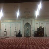 Photo taken at Masjid Ridzwaniah by Am on 7/7/2016