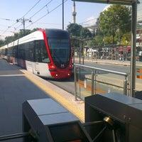 Photo taken at Beyazıt - Kapalıçarşı Tramvay Durağı by Timuçin Ç. on 9/20/2012